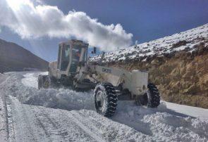 300 کیلومتر برفروبی و 130 تن نمکباشی در محور فوجرد