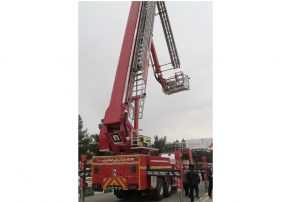 رونمایی از نردبان ۴۰ متری امداد و نجات آتشنشانی قم